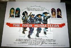 L'affiche Du Film Quad Quatre Mousquetaires Oliver Reed / Michael York / Raquel Welch
