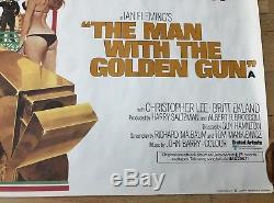 Prix 1 Jour! 007 Homme Au Golden Gun Roulé Poster Original Du Film Quad